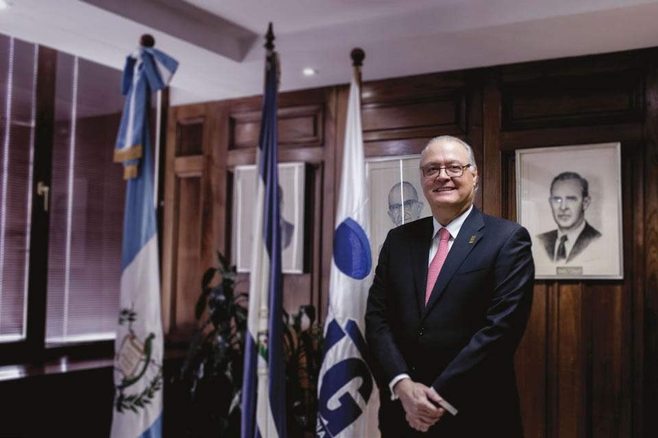 https://revistaindustria.com/wp-content/uploads/2017/02/Fernando-López-02.jpg