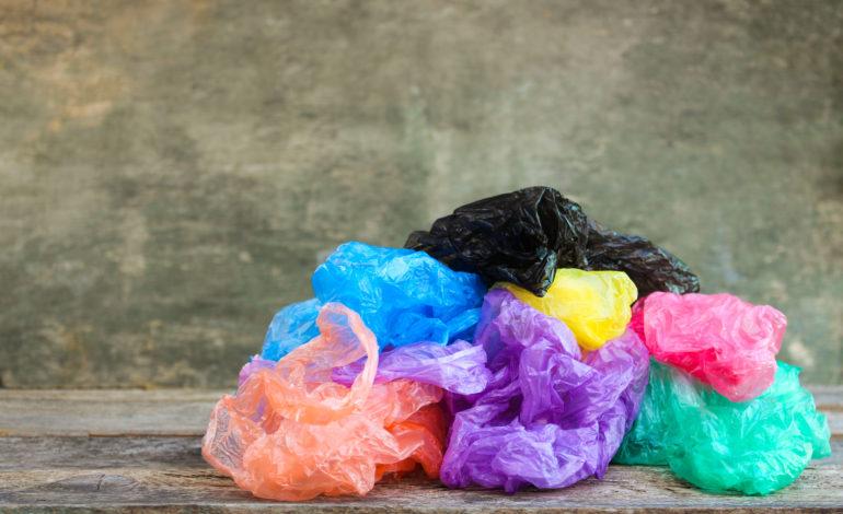 Plásticos: Reduzca, Reutilice, Recicle
